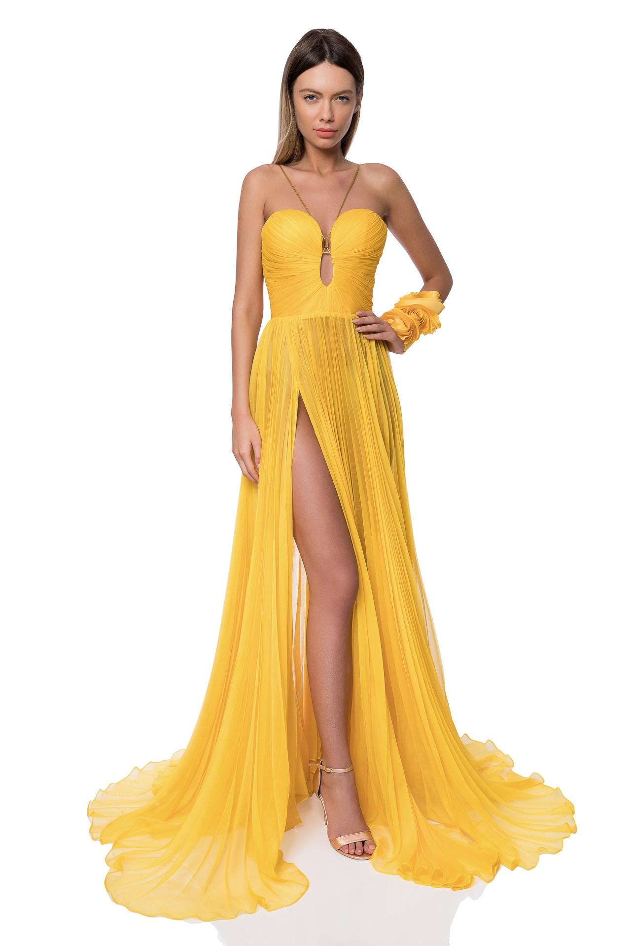 Sweetheart neckline evening dress