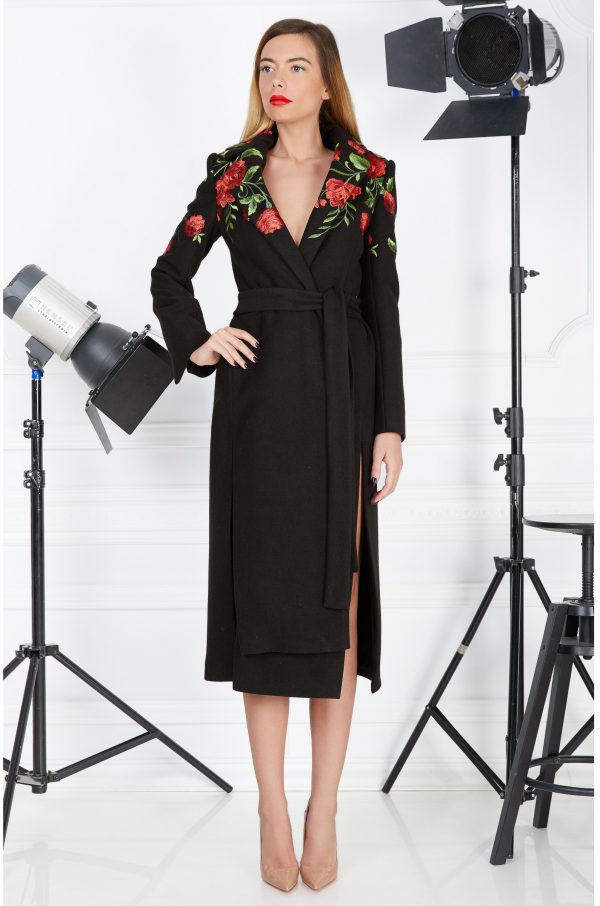 Embroidered flowers black coat