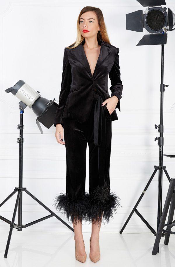 Black velvet feathers suit